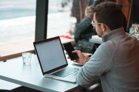 Travailler en freelance : le guide complet (métiers, statut, rémunération…)